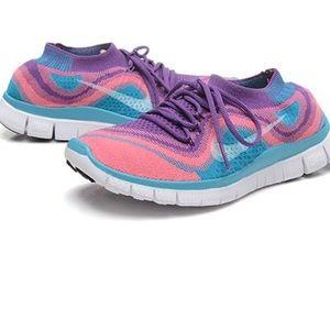 Nike Free Flyknits 5.0 Size 6